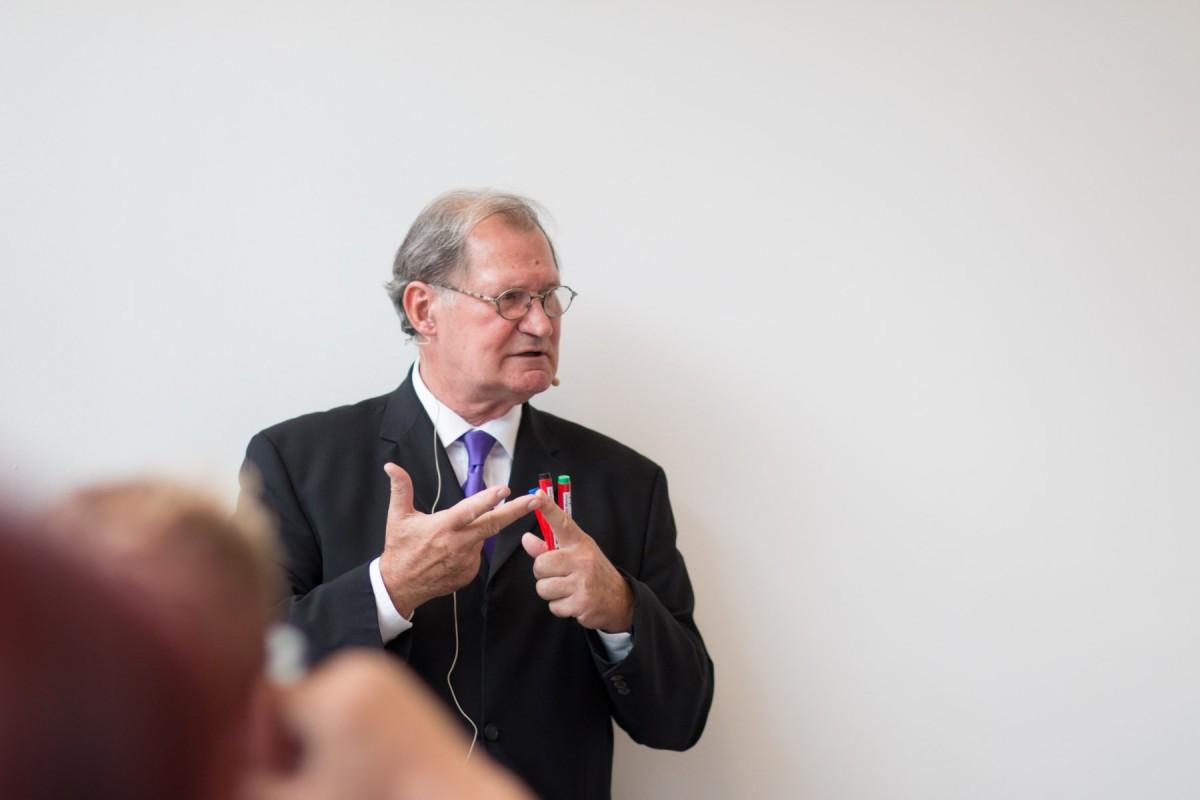 Peter H. Geissler sprach spontan zum Thema Ergonomie