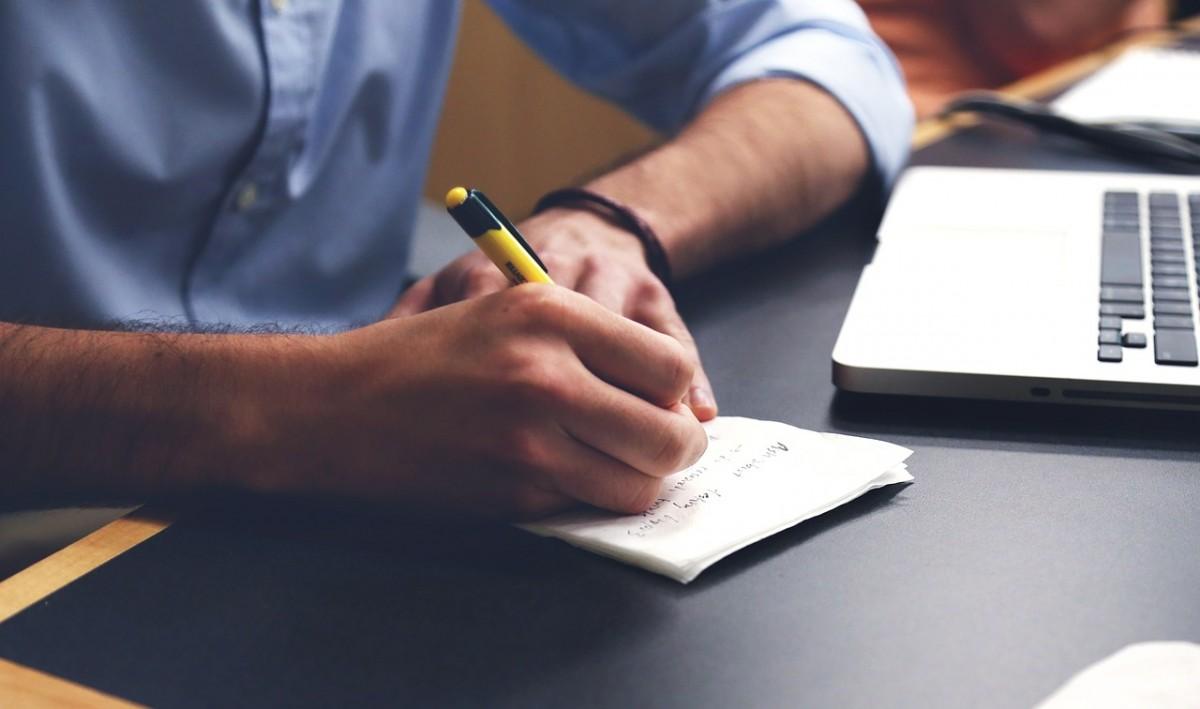 Die Vorbereitung des Meetings ist wichtig. Notizen und Ablaufpläne sind Pflicht!