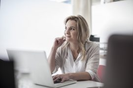 Schreibtisch einstellen - Schritt für Schritt zum gesunden Arbeitsplatz 1