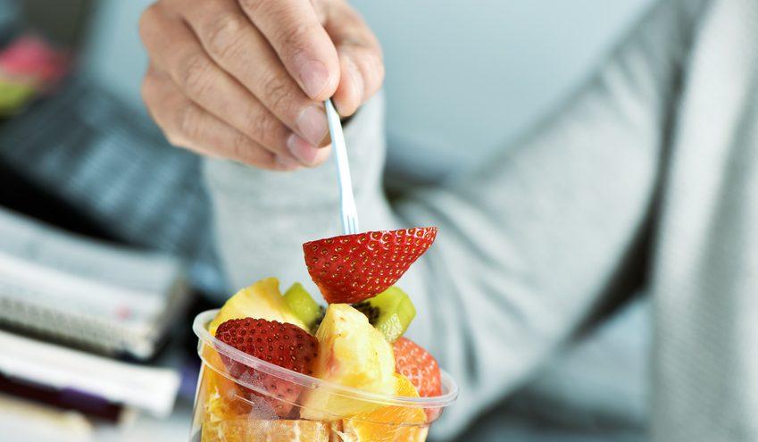 Frisches Obst und Gemüse sollten während der Erkältungszeit regelmäßig auf der Speisekarte stehen. / Foto: nito / fotolia.com