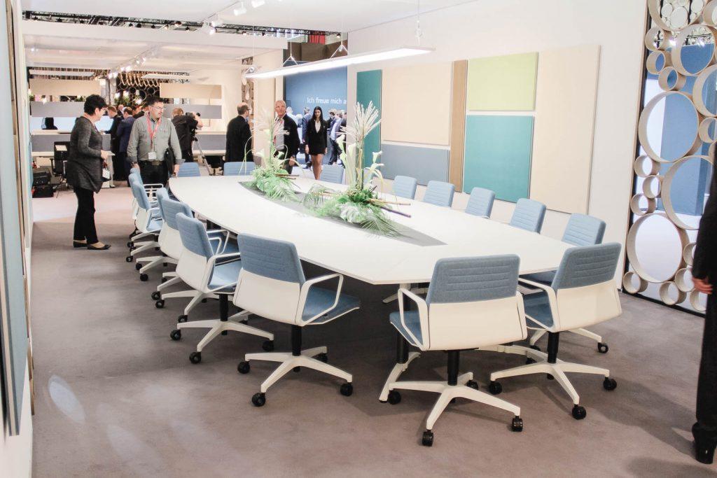Konferenztisch auf ORGATEC