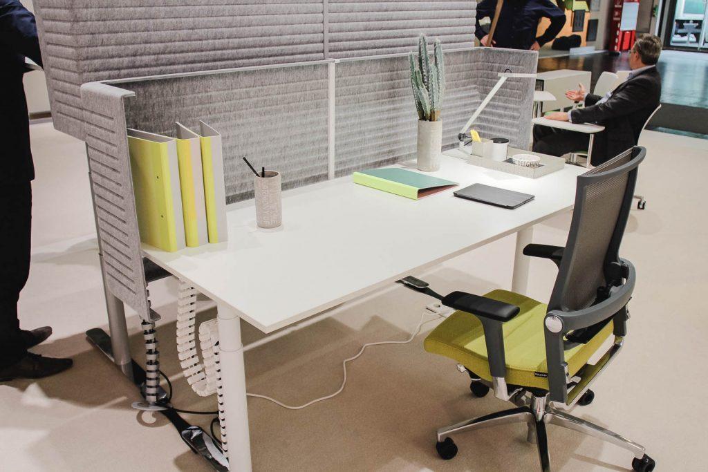 Schreibtisch positionieren