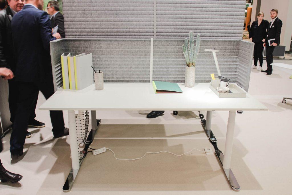 Orgatec 2016: Details des Steh-Sitz-Tisches