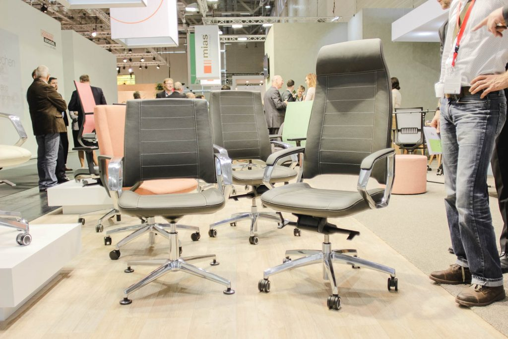 Orgatec 2016: Bürostühle mit Lederbezug