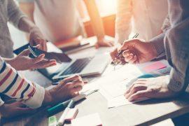 Die ideale Raumtemperatur am Arbeitsplatz beträgt zwischen 20 und 22 Grad Celsius. / Foto: mooshny / fotolia.com