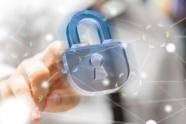 Je nachdem wie hoch die Position und das firmeninterne Wissen einzelner Mitarbeiter im Unternehmen ist, müssen geschäftsrelevante Informationen auf deren Geschäftshandys, ausreichend geschützt werden. / Foto: vege / fotolia.com