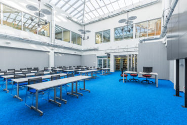Teppichboden eignet sich ideal dafür, um etwas Farbe in das Büro zu bringen. / Foto: in4mal / fotolia.com