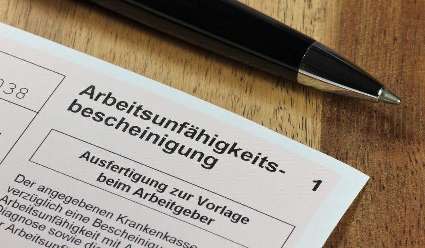 je größer das Büro ist und desto höher die Anzahl der Mitarbeiter, desto eher kann man mit krankheitsbedingten Fehltagen rechnen. / Foto: Björn Wylezich / fotolia.com