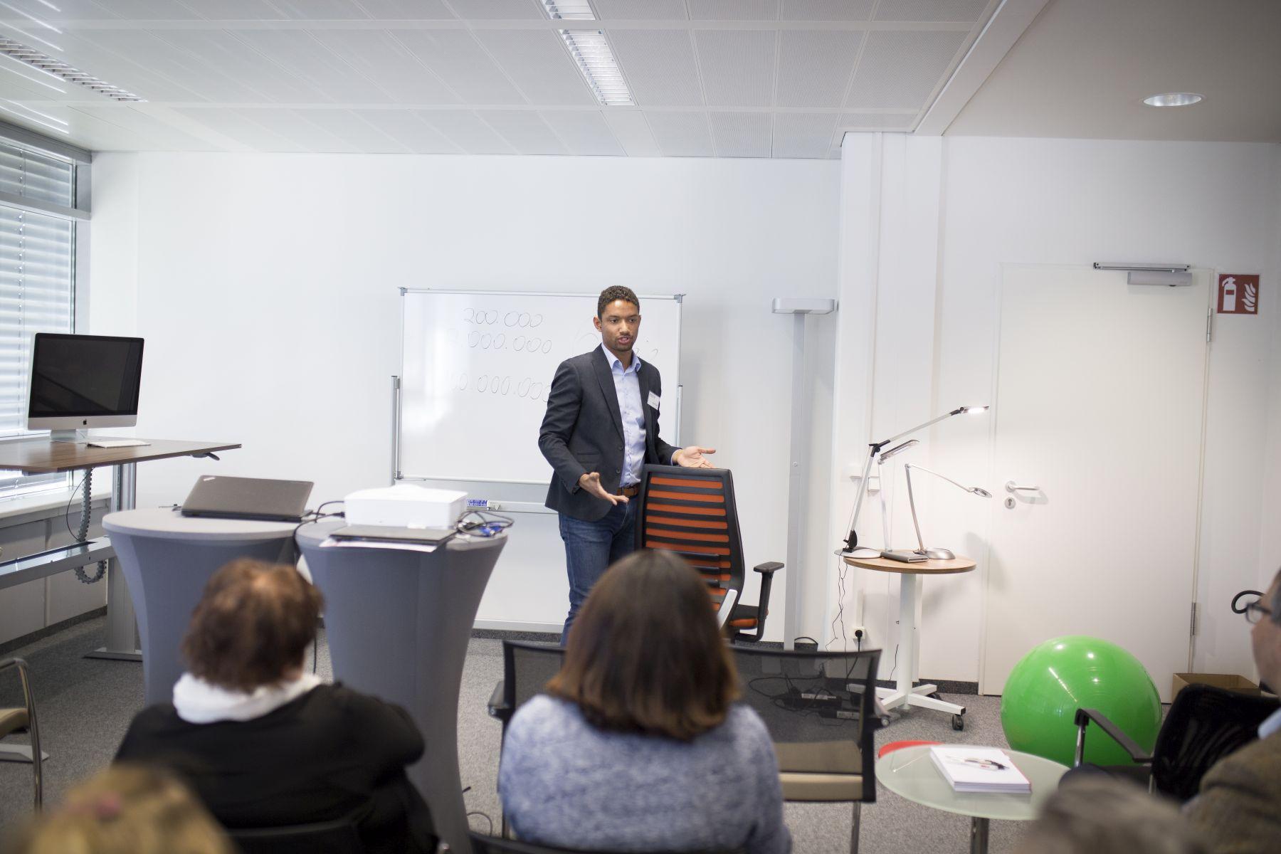 Rückblick: Ergonomie in 5 Punkten - Infoveranstaltung bei Büromöbel-Experte 15