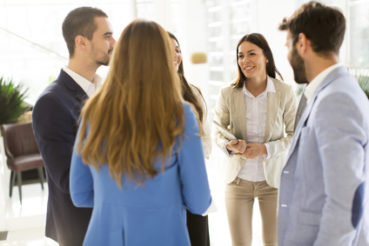 Lob durch den Vorgesetzten ist für viele Menschen genauso wichtig oder sogar noch wichtiger als das Lob durch den Partner zuhause. / Foto: Boggy / fotolia.com