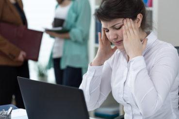 Umwelteinflüsse wie Lärm wirken sich auf die Arbeitsleistung aus. / Foto: sebra / fotolia.com