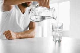 Dehydrierung - warum richtig trinken im Bürojob wichtig ist 1