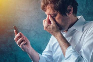 Durch lange Eingabezeiten am Smartphone, kann es zu psychischen Belastungsstörungen kommen. / Foto: Bits and Splits / fotolia.com