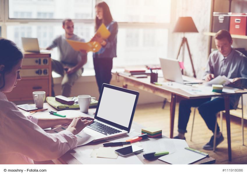 Gesprächsprotokolle können auch als PDF an alle Teilnehmer gesendet werden. / Foto: mooshny / fotolia.com