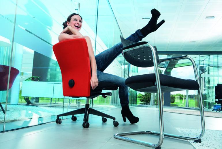 Anleitung: So stellen Sie den Bürostuhl richtig ein