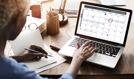 Home-Office-Laptop mit langer Akkulaufzeit