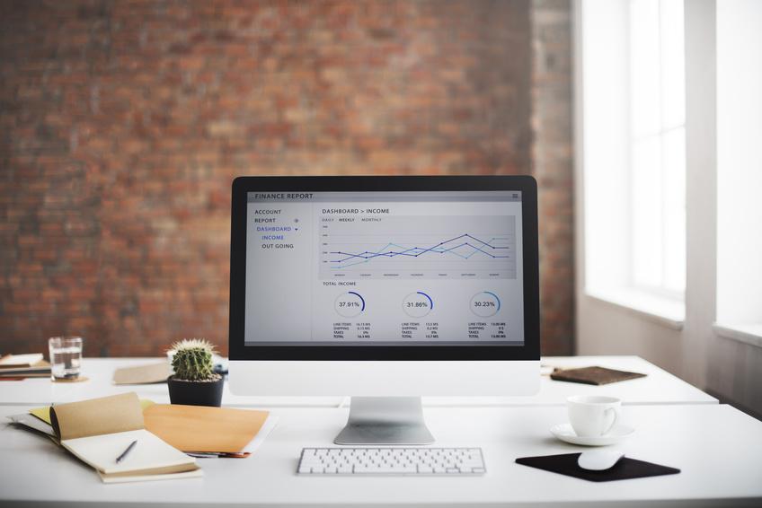 Schreibtisch wackelt: Das können Sie dagegen tun